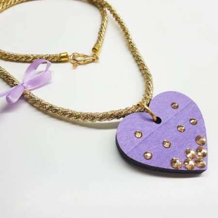 detajl ogrlice long purple heart by tinadesign