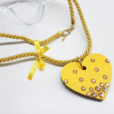 detajl ogrlice long yellow heart tinadesign